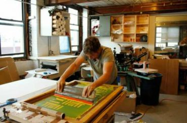 How to start a Silk Screening Business With Low Investment