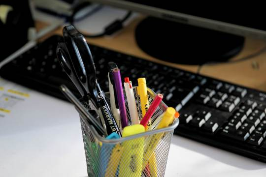 7 Things In Handy For Office Workers7 Things In Handy For Office Workers