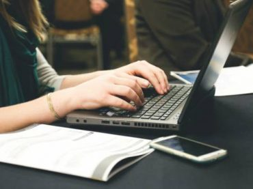 10 Signs Your Small Business Needs a Staff Writer