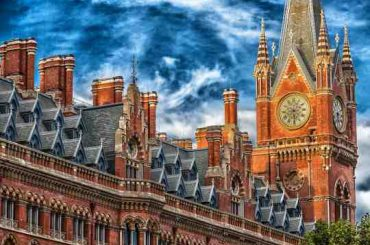 10 Best Business Schools in UK 2017
