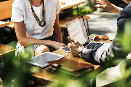 10 Customer Chat Tips to Nurture Your Business