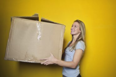 Good Holiday Shipping: 6 Tips to Keep Customers Returning