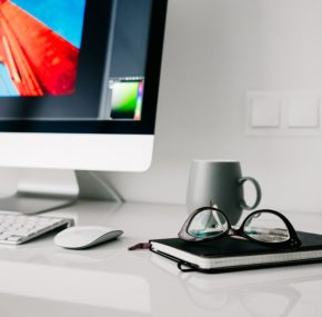 8 Professional Logo Design Tips For Amateurs