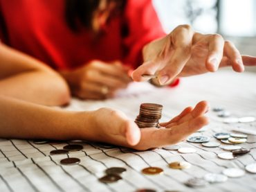 How To Be Smart With Money When Investing