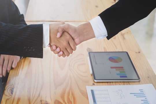 6 Easy Ways to Convince Investors to Fund in Your Startup