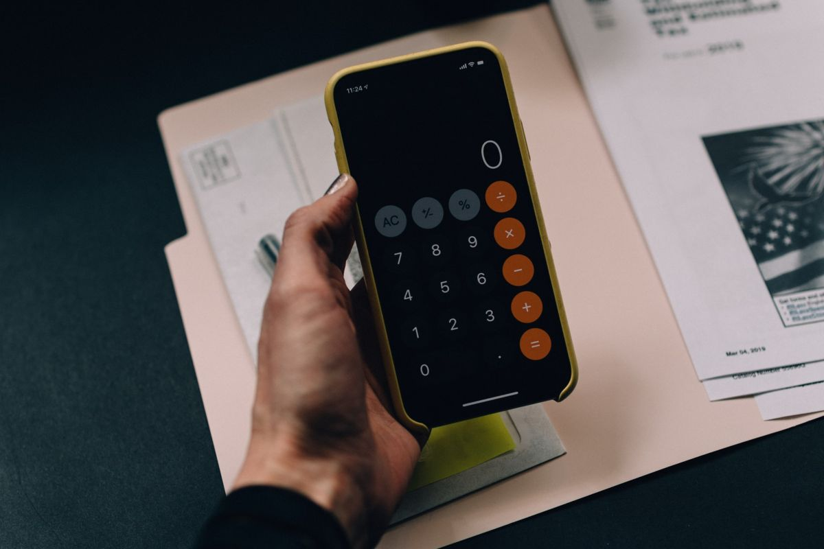How Can Businesses Benefit from Outsourced Accounting