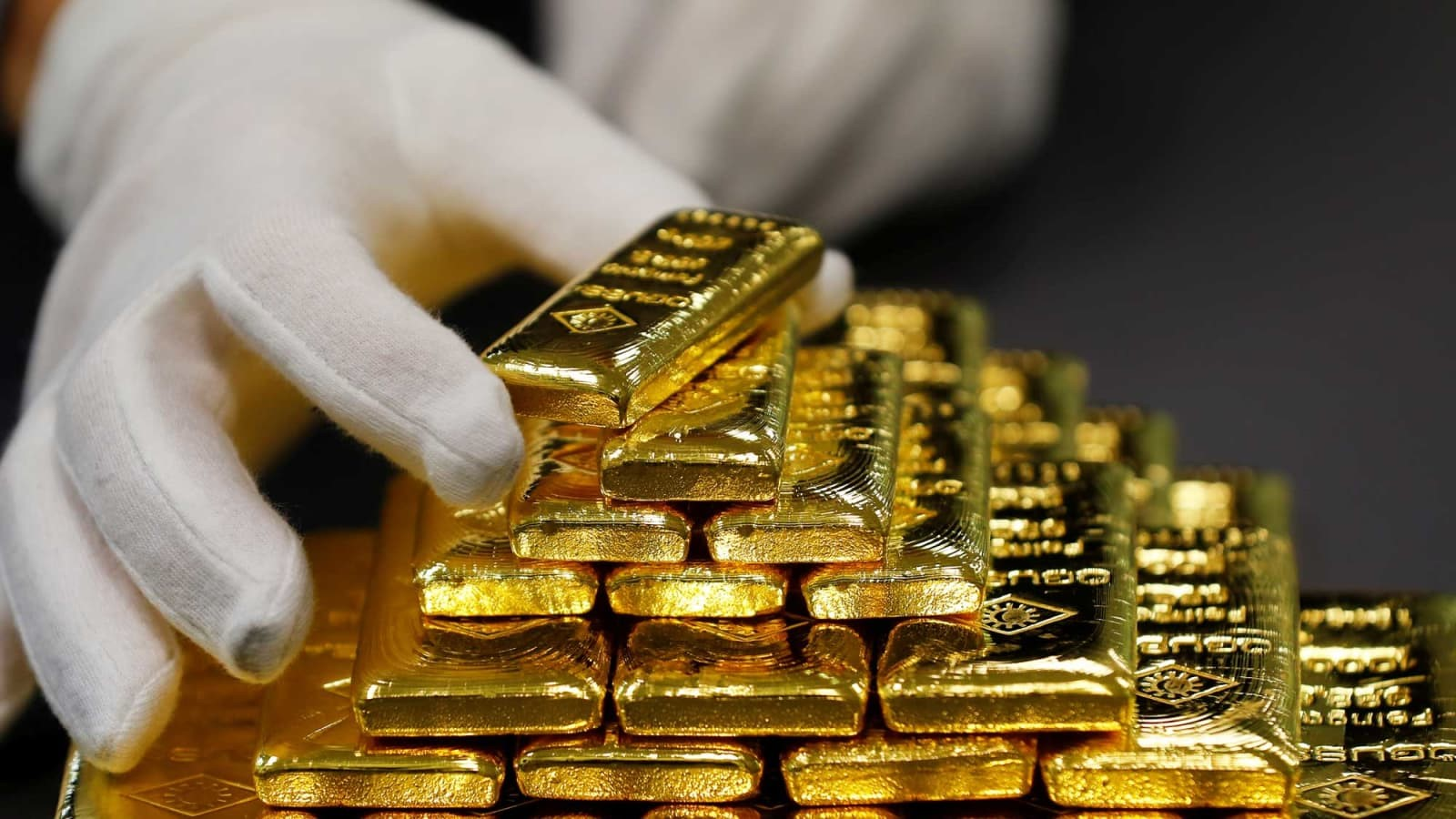 Is Gold a Worthy Investment in Today's Economy 3